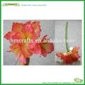 modern artificial de flores e vaso