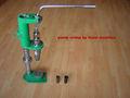 Bonne qualité pompe de pulvérisation à sertir à la main machine