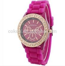 2014 explodes the Geneva jelly watch three eye trephine quartz watch students present preferred