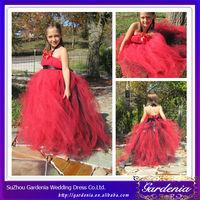 2014 Designer Vintage Full Length Ball Gown Tulle Halter Neck Red Black Flower Girl Dresses (ZX343)