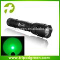 Best selling verde led caça lanterna com entrega rápida