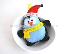 2015 New fashion hotsale China handmade craft gifts cheap wholesale hat ornament felt stuffed toy penguin Christmas decoration