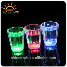 flashing led plastic cup,Popular bar LED Flashing whiskey rocks glass for Christmas, good seller