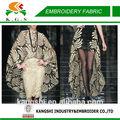 de lujo godlen pavo real de diseño en la red de bordado de tela para vestido de noche