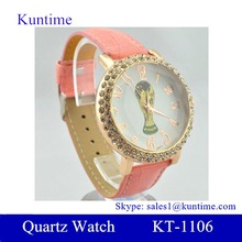 promotional gift leather wristband watch quartz movt with round rhinestone case