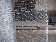 hexagonal wire mesh for chicken breeding