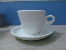 Haonai M-10516 special ear handle porcelain coffee cups and saucers set hot sales