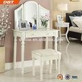 โบราณสีขาวโต๊ะเครื่องแป้งไม้ด้วยการออกแบบที่ทันสมัย