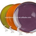 brown rimed sólidos a granel de color cena de cerámica de la placa