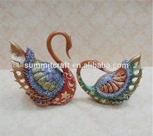 Designed Resin elegance love swan wedding decoration
