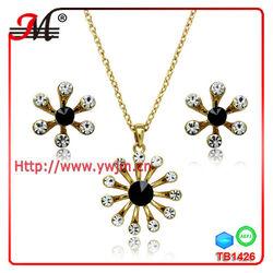 TB1426 2014 latest design wholesale crystal star flower dubai gold jewelry set/wedding jewellery designs