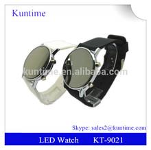 Wholesale alibaba led watch with Circle face ans flashing led light