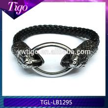 2014 handmade metal ring closure snake leather bracelet