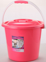 plastic bucket with lid with handle