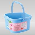baldes de plástico e banheira