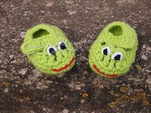 Newborn, baby crochet shoes Happy Frogs