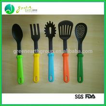 2014 New design eco-friendly nylon kitchen tool set