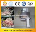 Mejor venta de semi automática de carne de kebab de la máquina pincho/que hace la máquina de bambú pincho