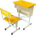 Comercial precio barato de madera moderno de la escuela de escritorio y una silla ya-084