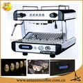 restaurante italiano e quente máquina de café expresso