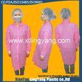 Venda quente branco médicos descartáveis jaleco/uniforme