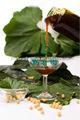 saúde suplemento em pó e líquido de lecitina de soja alimentos aditivo em chocolate