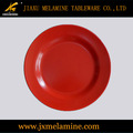 artículos de melamina de color rojo y negro redondo de color de la placa