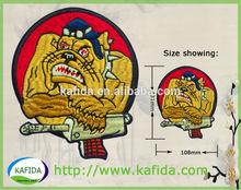yüksek kaliteli özel nakış yama nakış rozetleri işlemeli yama karikatür köpek tasarım