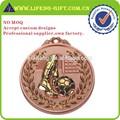 de oro y bronce plateado con medallón de la cinta