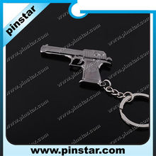 Cool Men Gift Mini Pistol Gun Keyring Charmming Pendant Key Chain Metal Gun Keychain for Hot Sale