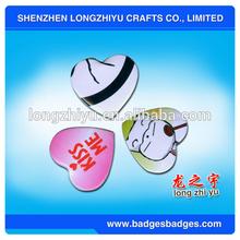 Heart Shaped Design Plastic Button Badege/Pin Badge/Badges