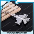 Venta al por mayor 3D forma aerolíneas estadounidenses modelo de avión llavero llavero con pulido llavero aviones llavero