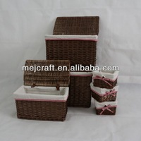 Light and handy cheap small wicker basket with lid