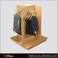 nuovo design in legno appendiabiti negozio