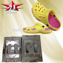 China Fashion Two Colors Plastic EVA Crocs Shoes Women Injection Mould