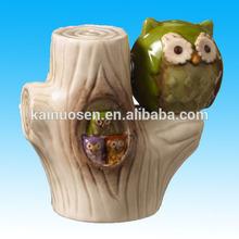 Carmesí hueco búho de cerámica en árbol de Salt & Pepper Shaker Set