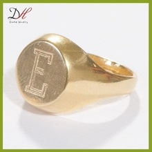 Daihe RN2765 14K gold plated jewelry engraved letter signet initial ring