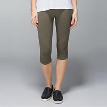 soft lycra pro skin yoga capri pants in bulk, good elastic girl's fitness compression capric