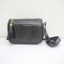 Guangdong designer shoulder bag fashion weave shoulder bag with tassel