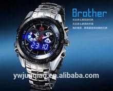 3 colori in acciaio inox nuovo design uomini di ferro portato orologi. Nuovo design in ferro uomini guidati orologi di lusso degli uomini orologio da polso.