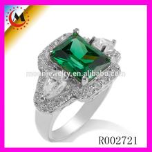 NEW TRENDY GREEN DIAMOND ENGAGEMENT RING FOR WOMEN R002721