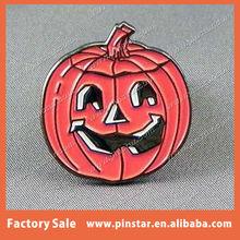 Wholesale Halloween Festival Novelty Badge Soft Enamel Pink Pumpkin Face Pin Badge Manufacturer