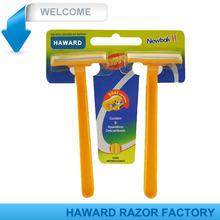 Dos capas de maquinillas de afeitar desechables