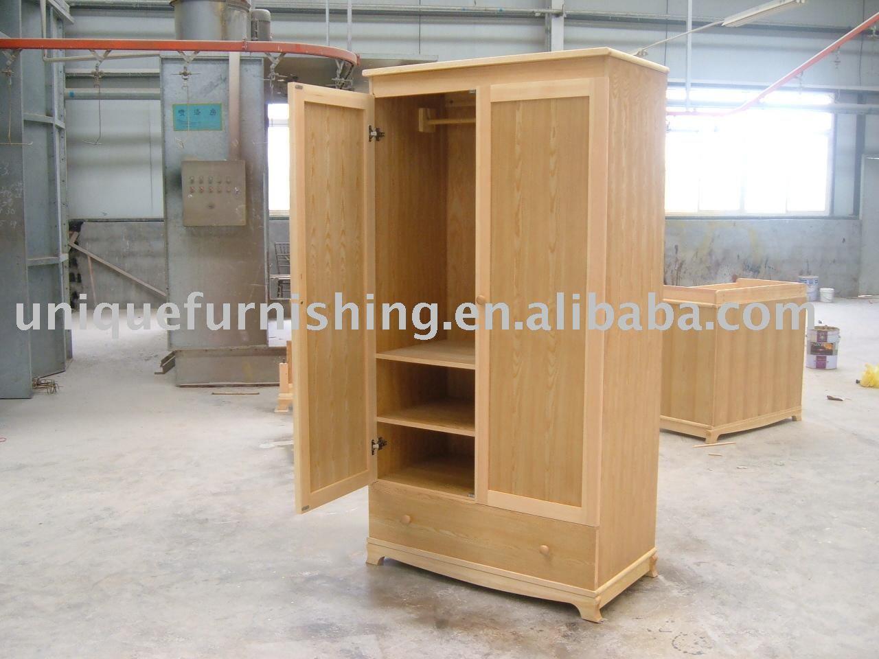 Armario de madera maciza guardarropas identificaci n del - Armarios de madera maciza ...