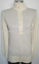 Féminine's mock neck boutonné. bicolor 100% pull en cachemire
