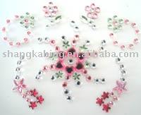 http://i00.i.aliimg.com/photo/v0/212756500/Crystal_body_tattoo_Stickers.jpg