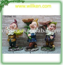 Polyresin gnome figurines