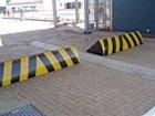 Road Blockers / Rising Curb