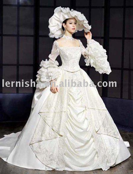 vintage royal style Long Sleeve bridal dress gown