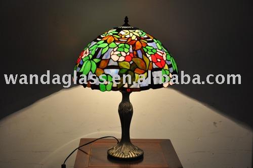 Lampade tiffany lampade da tavolo e lampade di lettura id - Lampade tiffany da tavolo ...